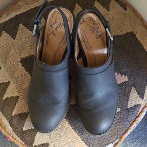 Natural Soul shoes